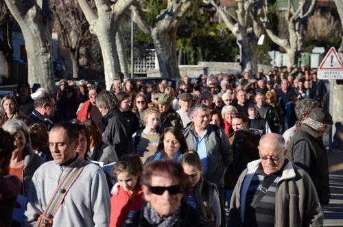 Une foule impressionnante venue des quatre coins du canton a traversé samedi après midi le village de Buis